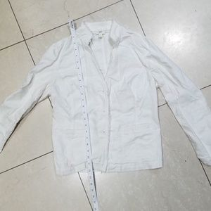 J.Jill light weight white denim jacket w pockets